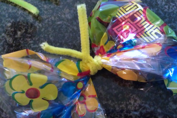 make butterfly favor bags
