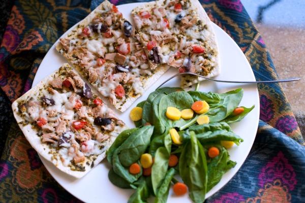 Pesto Tuna Flatout Thin Crust Pizza for Lunch!