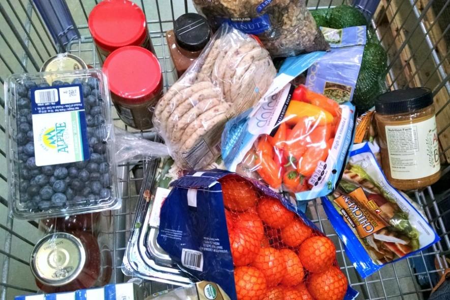 Tips to make grocery shopping and menu planning easier // evolvingmotherhood.com