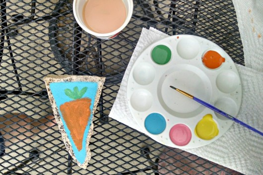 hand painted decorative garden markers are a perfect gift for Mother's Day. // evolvingmotherhood.com