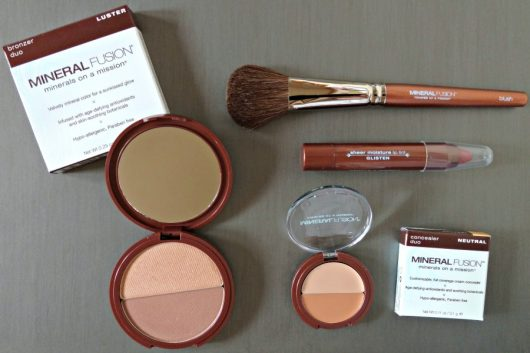 Contouring and Cocktails and Sprouts and Mineral Fusion #ContouringandCocktails #Sponsored